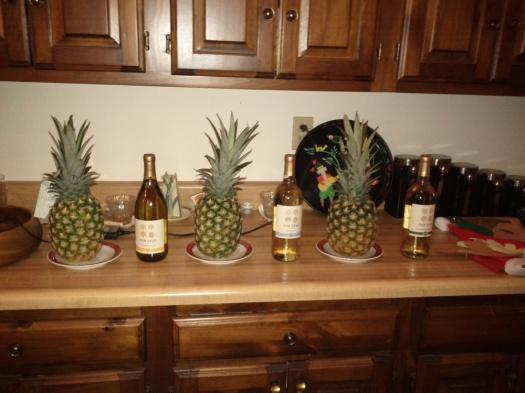 christmas_wine-pineapple-wine-pineapple-wine-pineapple