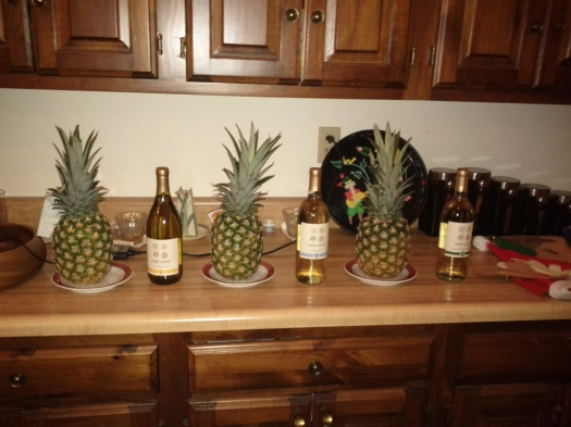 christmas_wine-pineapple-wine-pineapple-wine-pineapple